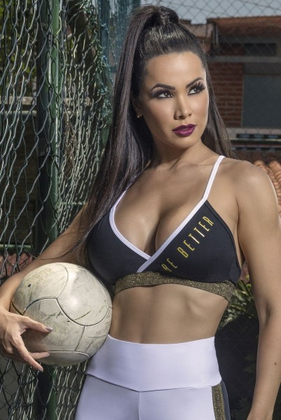 Sports-Bra Team Tackle HIPKINI Sold Out